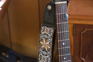 The Best Bluegrass Guitar Picks for Flatpickers